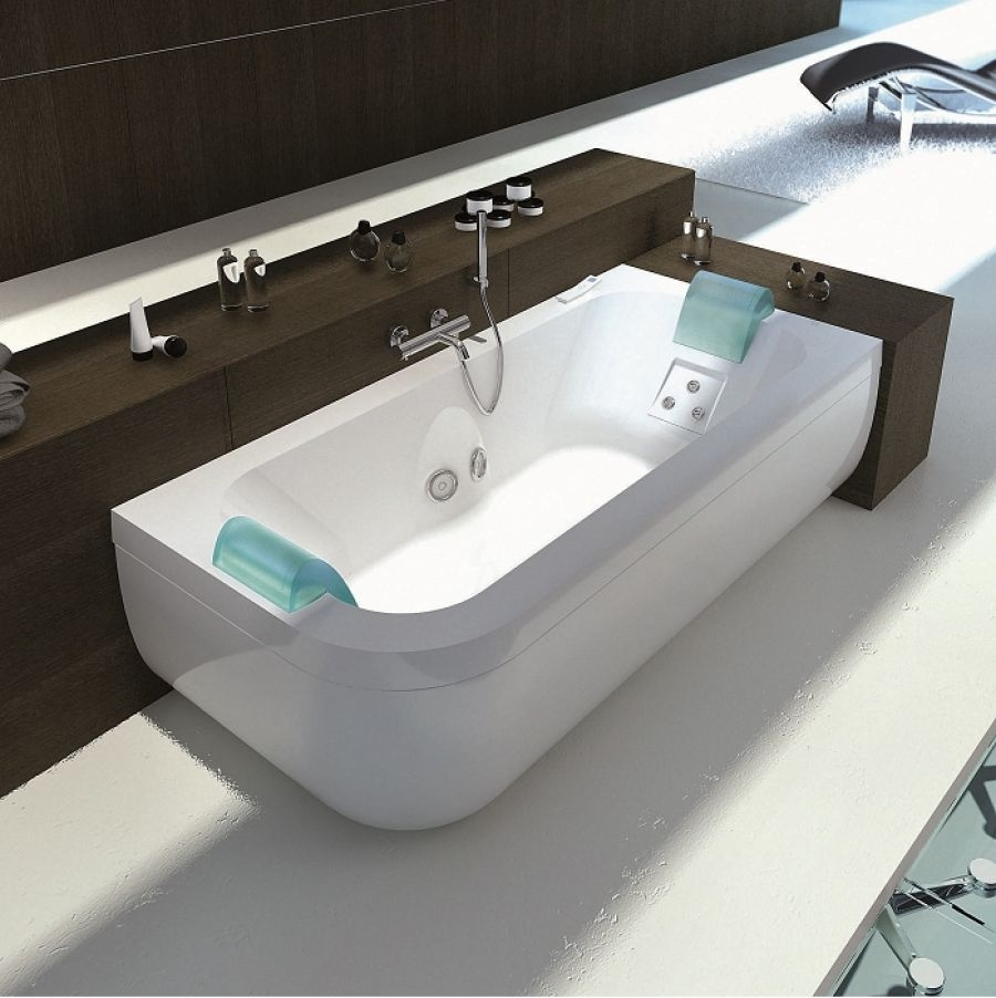 baignoire balneo double maison design. Black Bedroom Furniture Sets. Home Design Ideas