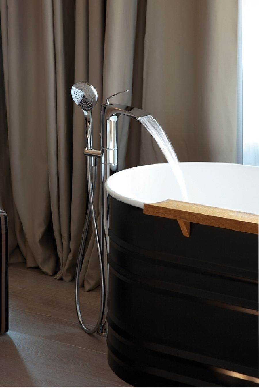 mitigeur cascade bain douche sur colonne bollicine bo18951. Black Bedroom Furniture Sets. Home Design Ideas